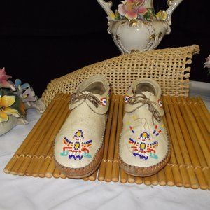 Shoes - Vintage Taos SW'rn  Leather Indian moccasins